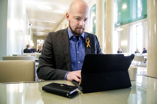 Kansanedustaja Mikko Kärnä (kesk). Arkistokuva vuodelta 2018.
