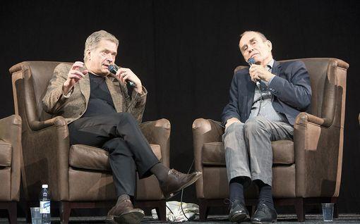 Mitä yhteistä on Paul Austerilla ja Paavo Nurmella? - vastaus löytyy mikin toiselta puolelta