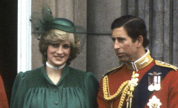 Dianan ja Charlesin liitto meni alusta asti vikaan.