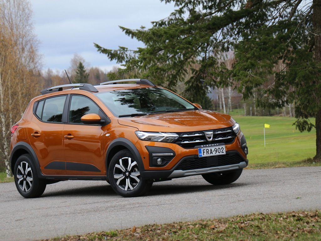 Uusi Dacia Sandero Stepway on modernin ja näyttävän näköinen pieni katumaasturi.