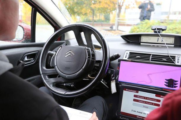 Tutkija Pasi Pyykönen on antanut Marilynille ajo-oikeuden. Nopeudet ovat luokkaa 10-20 km/h.