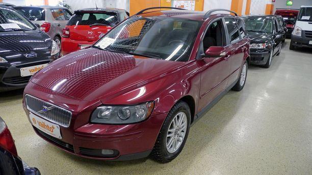 Vuosittain myydään noin 600 000 käytettyä autoa.