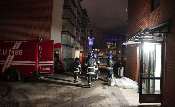 Sunnuntai-iltana Kirkkonummella sijaitsevassa kerrostalossa evakuoitiin asukkaita voimakkaan tulipalon vuoksi.