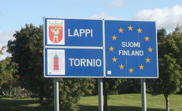 Tornioon tulee turvapaikanhakijoita Ruotsin puolelta.