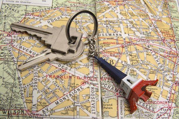 Esimerkiksi Pariisissa on rajoitettu vertaismajoitusta. Asuntoa saa käyttää lyhytaikaiseen vuokraukseen vain 120 vuorokautta vuodesta.