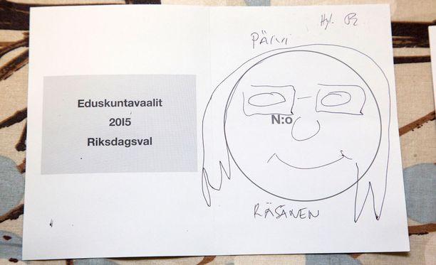 Hämeen vaalipiirissä ehdolla ollutta Päivi Räsästä (kd) muistettiin myös Helsingissä.