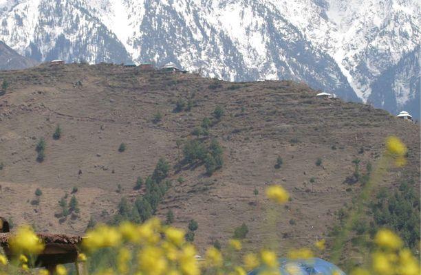 Amerikkalaislähteiden mukaan Osama bin Laden elää mukavassa huvilassa vuoristoalueella Pakistanissa.