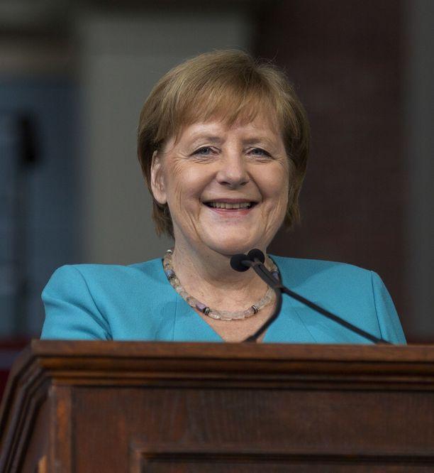 Jutta Urpilainen seurasi Berliinin muurin murtumista 14-vuotiaana Kokkolassa. Angelma Merkel oli tuolloin 35-vuotias.