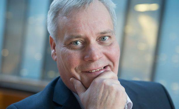 Antti Rinne toi esiin puheessaan, ettei viime eduskuntavaaleissa yksikään hallituspuolueen puheenjohtaja kertonut puolueensa ajavan kansallisomaisuuden altistamista markkinavoimille.