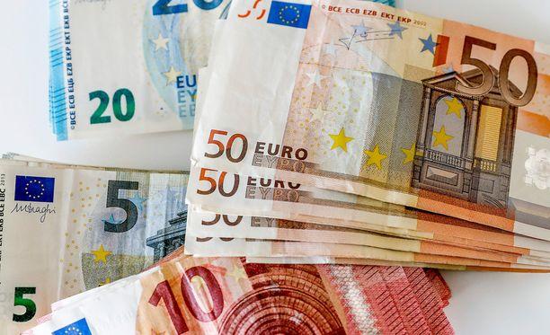 Hallitus arvioi nyt valtion nettolainanotoksi noin 4,4 miljardia euroa vuonna 2017.