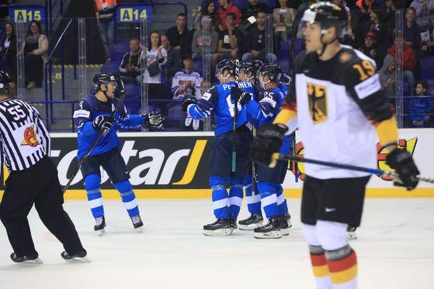 Mikko Lehtonen, Harri Pesonen ja Toni Rajala edustavat Leijonien marinoitua laatua.