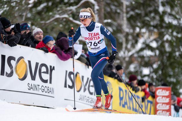 Oona Kettunen oli viidestoista lauantaina Vöyrin SM-kisojen 10 kilometrin perinteisen väliaikalähdössä.