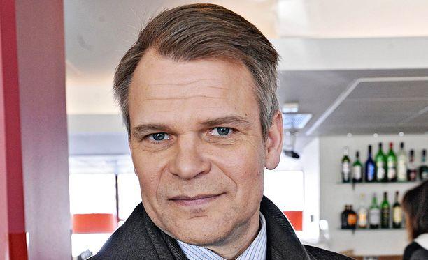 Näyttelijä Teijo Eloranta menetti malttinsa vauvan ääntelyyn kesäteatteriesityksessä.