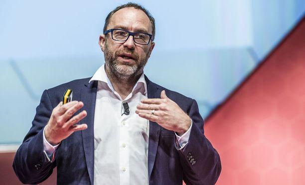 Wikipedian perustaja Jimmy Wales puhui Barcelonan MWC-messuilla.
