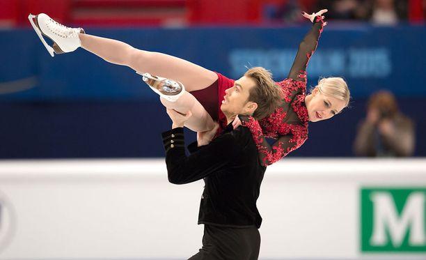 Penny Coomes ja Nick Buckland aikovat olla mukana ensi talven olympialaisissa.