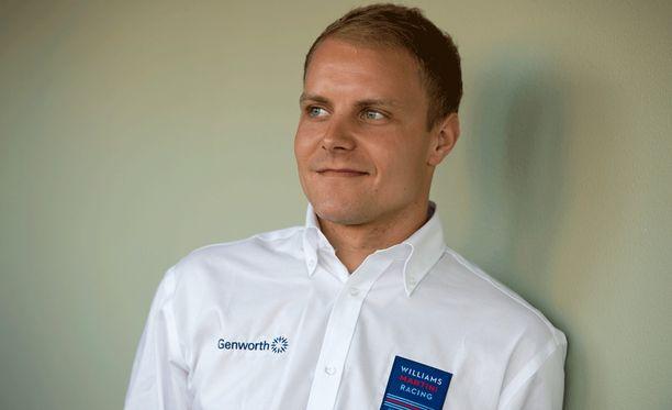Valtteri Bottas aloittaa kolmannen kautensa formula ykkösissä.