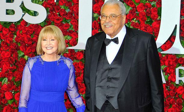 Cecilia Hart oli naimisissa näyttelijä James Earl Jonesin kanssa.
