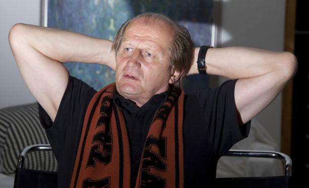 """Juhani Tammisen mukaan lätkä on niin äijien juttu, että siellä """"ei pikku hiirulaisiin törmää""""."""