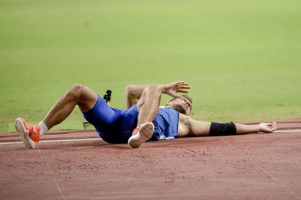 Magnus Kirt kohtasi Dohassa keihäänheittäjän painajaisen: Heittokäden olkapäävamman.
