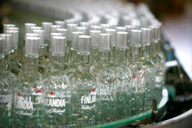 Finlandiaa liukuu Rajamäellä pulloittain.