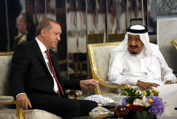 Turkin presidentti Recep Tayyip Erdogan ja Saudikuningas Salman.