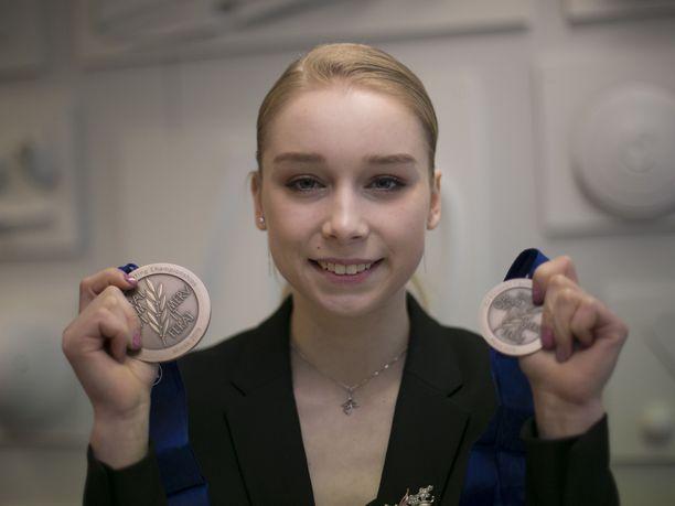 Arvokisamitali, EM-pronssi, oli Viveca Lindforsille unelmien täyttymys. Kun yksi tavoite on takataskussa, Lindfors kertoo hamuavansa lisää arvokisamitaleita.