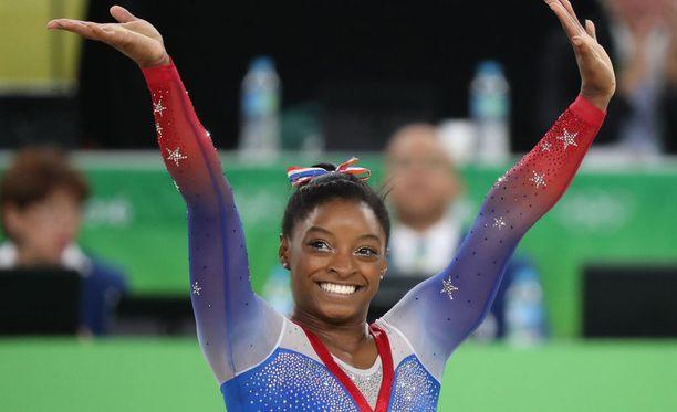 Simone Biles loisti Yhdysvaltojen voimistelumestaruuskilpailuissa. Kuva vuoden 2016 olympiakisoista Riosta.