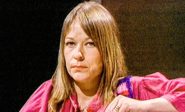 Anna Wahlgren on kertonut julkisuudessa näkemyksiään lasten kasvattamisesta usean vuosikymmenen ajan ja kertoo edelleen.