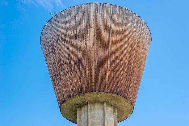 Ilomantsin vesitornin huipulta löytyy viinibaari.