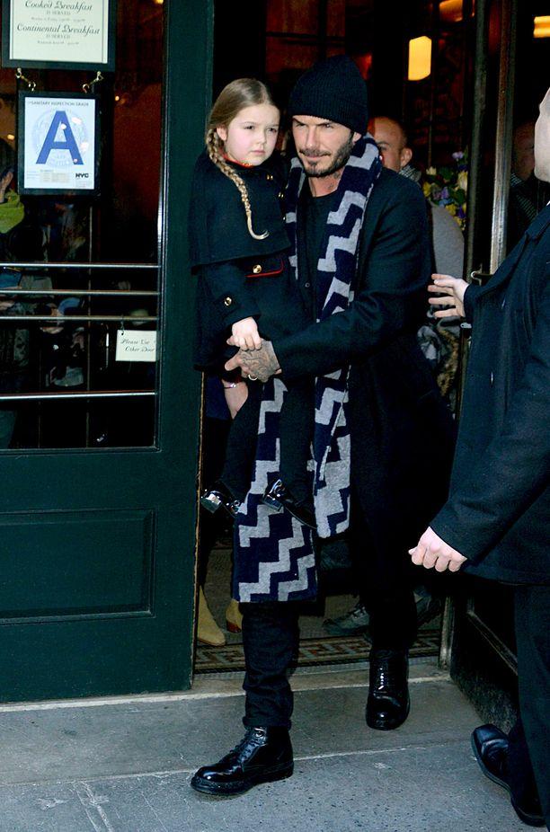 David ja Victoria Beckham haluavat olla aktiivisesti läsnä lastensa elämässä.