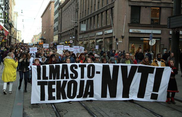 Ilmastonmuutoksen vastainen marssi valtasi Helsingin keskustan viime huhtikuussa.