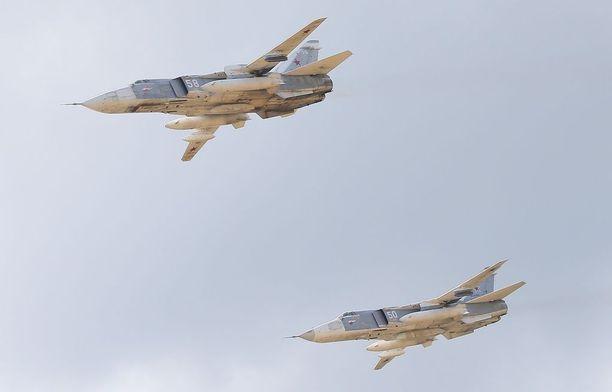 Venäläiset SU-24-pommikoneet Safe Route -harjoituksessa Tjumenin ulkopuolella.