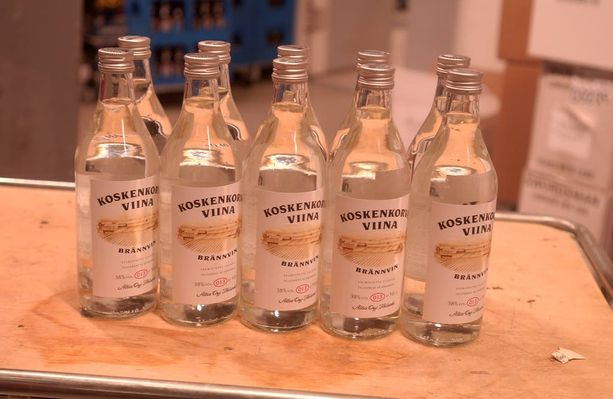 Lasipölyä epäillään päätyneen muun muassa Koskenkorvan viinapulloihin.