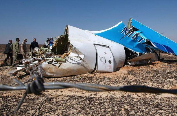 Venäläiskone syöksyi maahan Siinain niemimaalla 31. lokakuuta. Putoamissyyksi on varmistunut koneessa ollut pommi.