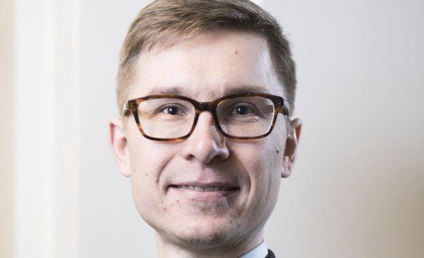 Nordean ekonomisti Olli Kärkkäinen kertoo yllättyneensä iloisesti siitä, että hallitus päätti puoliväliriihessä aloittaa sosiaaliturvan kokonaisuudistuksen valmistelun.