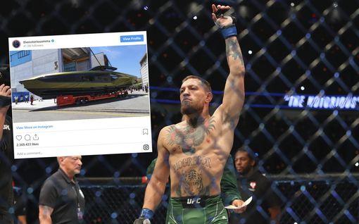 """Conor McGregor osti Lamborghinin luksusjahdin – tämä """"merten superauto"""" maksaa miljoonia"""