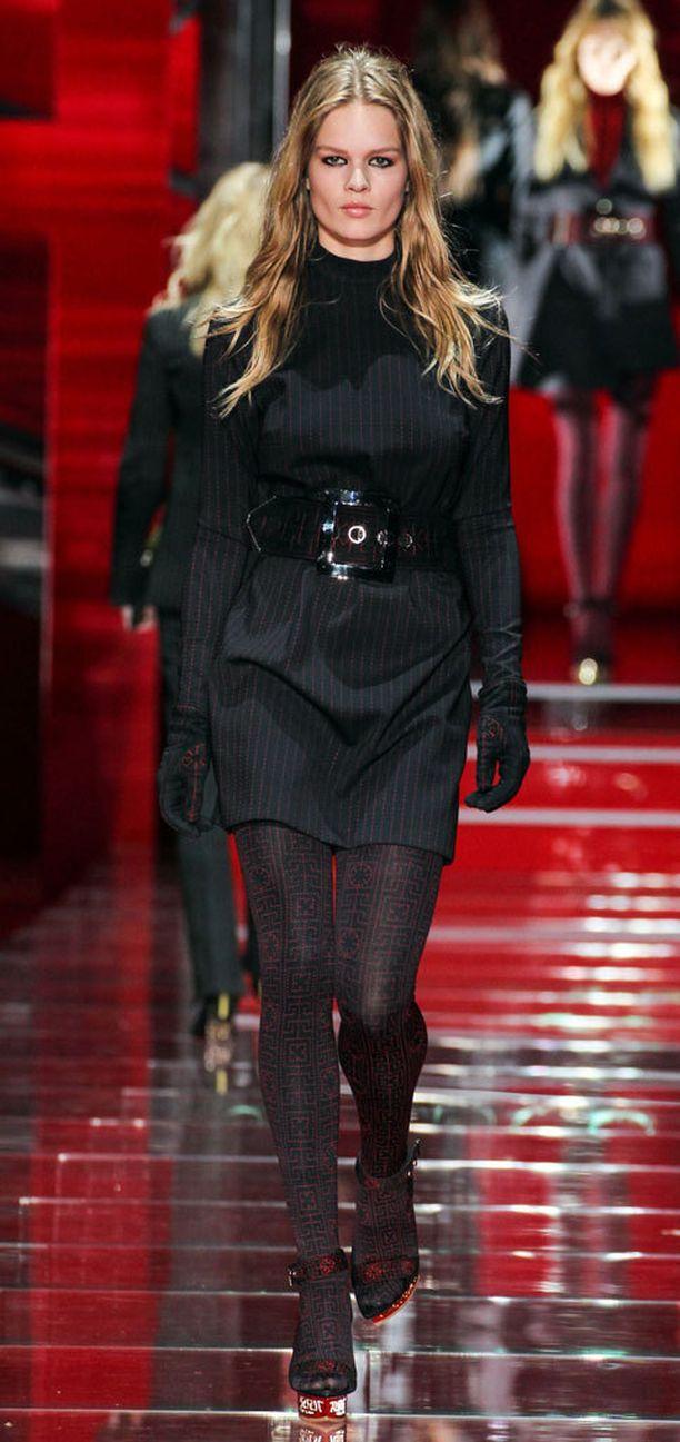 Versacen syksyn ja talven 2015 näytös.