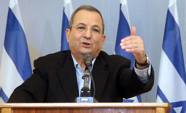 Israelin puolustusministeri Ehud Barak kehotti sotatoimiin kyllästyneitä muuttamaan Suomeen.