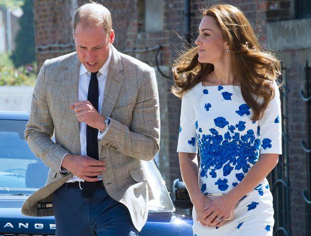 Katella on aina sormus nimettömässään, Williamilla ei.