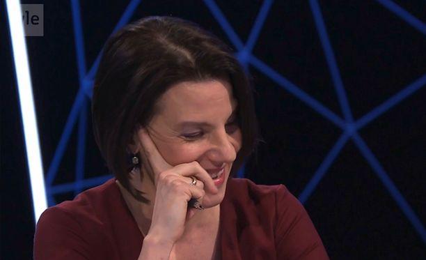 Ylen toimittajan Kirsi Heikelin pokka petti vaalitentissä.