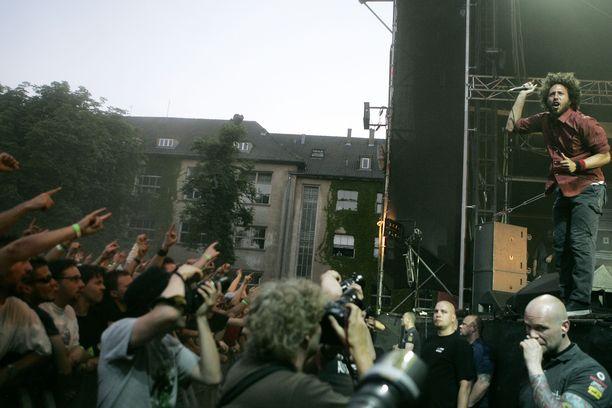 Rage Against the Machine -yhtyeen oli määrä saapua esiintymään myös Eurooppaan tulevana kesänä. Kuva orkesterin Berliinin konsertista vuodelta 2008.