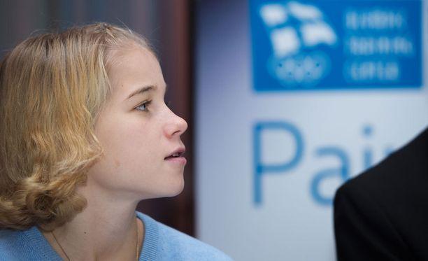 Kun Alisa Vainio ei juokse tai opiskele, hän tapaa kavereitaan tai saattaa livahtaa pikaluistelujäälle.