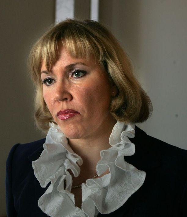 Lääkärinä työskentelevä Tuija Nurmi toimi kansanedustajana vuosina 1995–2011.