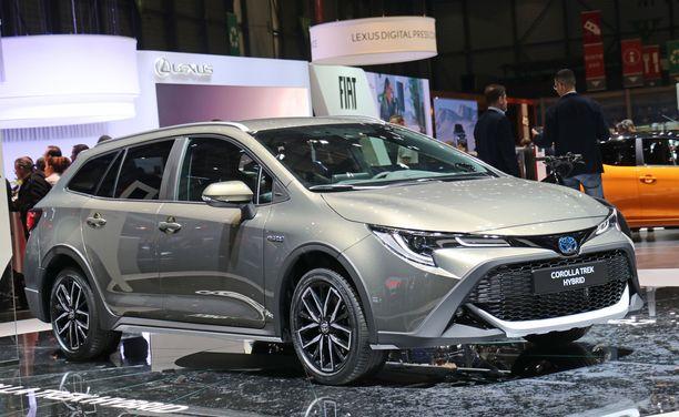 Toyota Corolla palasi uutena markkinoille. Kuvan Trek on pyörävalmistajan kanssa tuunattu versio.
