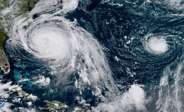 Hurrikaanit Lee ja Maria kuvattiin satelliitilla Atlantin yllä 25. syyskuuta.