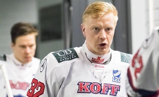Lennart Petrell marssii tänä iltana täynnä latausta Oulun Raksilan kaukaloon.