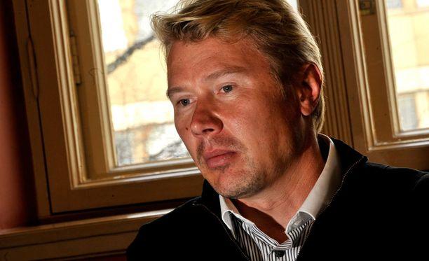 Mika Häkkinen haluaisi päästä tapaamaan Michael Schumacherin.