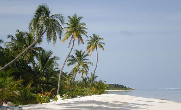 Malediivit tunnetaan paratiisimaisena lomakohteena.