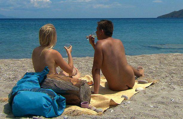 Saara pääsee romanttiselle piknikille Iiron, 25, kanssa.