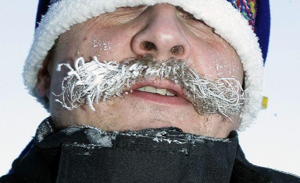 Suomessa on tänään ollut niin kylmä, että viikset ovat voineen jäätyä.